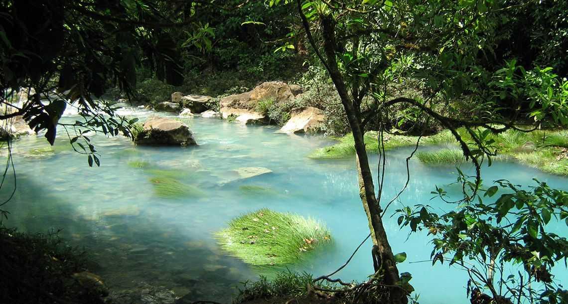 Le rio Celeste et son eau turquoise